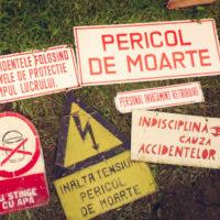 segnaletica di avviso pericolo, divieto