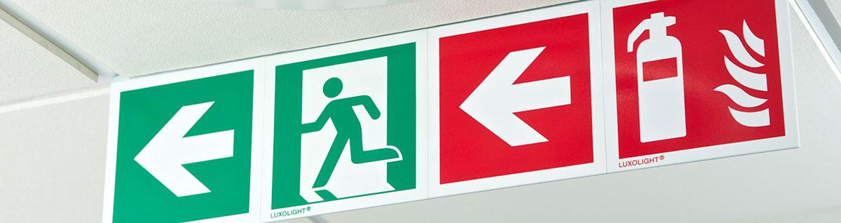 segnaletica di sicurezza per vie di fuga e uscite di emergenza