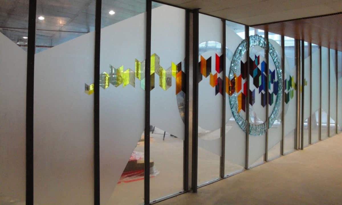 vetro decorato chimicamente